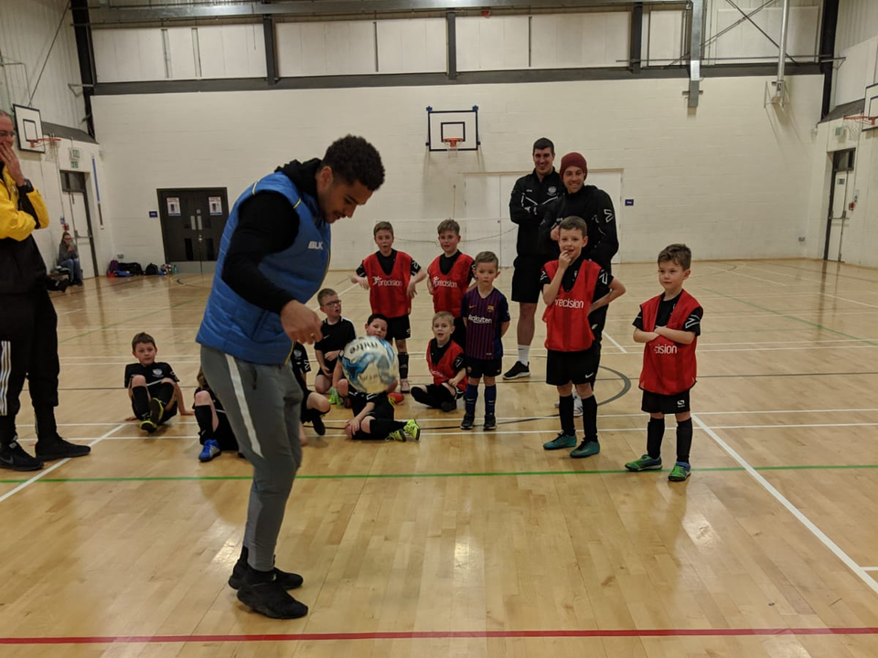 Dover Striker Jamie Allen Visits Whitfield U7s.